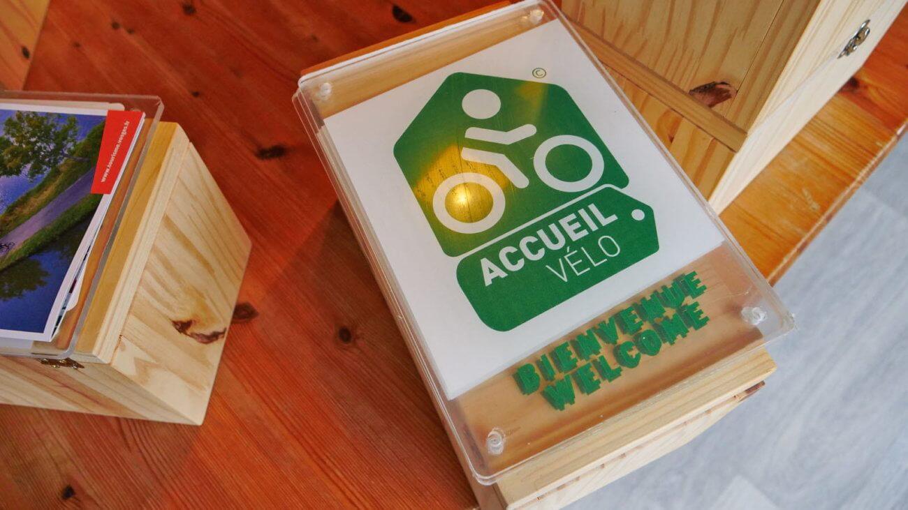notre plaque avec le label Accueil Vélo
